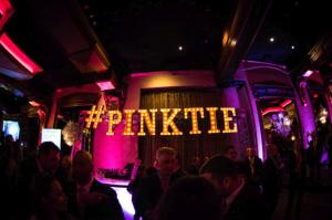 Pinktie sign